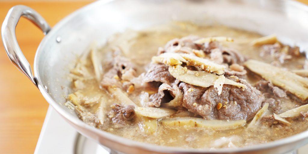 牛肉とごぼうのごま鍋