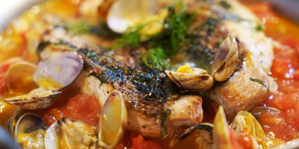 鯛で作るアクアパッツァ